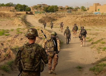 U.S. soldiers and soldiers from the Czech Army conduct a patrol in eastern Afghanistan to meet with local nationals and gather information about threats in the area, July 25, 2018. (Staff Sgt. Lerone Simmons/Army)